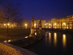 Prato della Valle by night