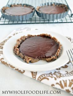 Salted Caramel Chocolate Tarts. The perfect holiday dessert. It's a cinch to make with only 6 ingredients and no refined sugar. Vegan, gluten free and grain free.