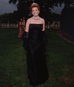 Sarah Ferguson, the Duchess of York, wore a tiara and flower crown at her wedding to Prince Andrew in Sarah Ferguson Wedding, Sarah Ferguson Prince Andrew, Sarah Duchess Of York, Duke And Duchess, Eugenie Of York, Elisabeth Ii, Prince William And Kate, Royal Jewels, Royal Fashion