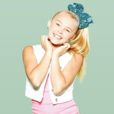 New JoJo's Juice is up on my YouTube channel !!!!! Link in my bio leave me a comment and if your a SIWANATOR subscribe and comment and leave me a bow by itsjojosiwa
