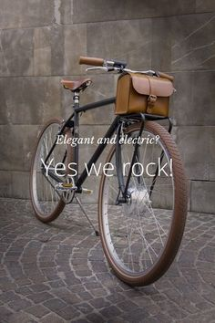 Elegant and electric? Yes we rock! Smart and elegant e-bikes Made in Italy VELORAPIDA S T Y L E The vintage e-bike with rod brakes. Style Woman With rod brakes and battery hidden in the handcrafted leather bag. Essential, fast and chic N A K E D THE CHROM Bici Retro, Velo Retro, Retro Bicycle, Velo Design, Bicycle Design, Photo Velo, Velo Cargo, Urban Bike, Commuter Bike