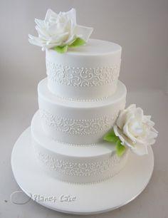 Tradition White Wedding Cake www.planetcake.com.au