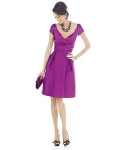 Love this dress, great bridesmaid dress or even  a great dress to wear to a wedding