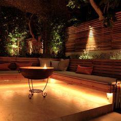 garden lighting Modern London Garden S - gardencare Garden Seating, Outdoor Seating, Outdoor Decor, Outdoor Spaces, Backyard Patio, Backyard Landscaping, Landscaping Ideas, Garden Screening, London Garden