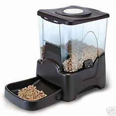$31.99-$99.99 Automatic large pet feeder. Programmable feeding from 1 to 4 times daily with large holding volume. Designed for all sizes of dog or cat with large capacity, up to 45 cups. Programmable from 1 - 90 days wth portion sizes--1/4 cup to 2.5 cups.