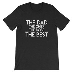 New baby gift ideas, baby shower gift ideas and new mom gifts. These are also great gift ideas for expectant moms! Funny Dad Shirts, Dad To Be Shirts, Kids Shirts, T Shirts For Women, Family Shirts, Diy Gifts For Mom, Baby Gifts, Christening Gifts For Boys, Mama Bear Shirt