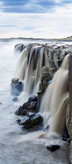 20 Exquisite Waterfalls around the World - Selfoss Waterfall - Jokulsargljufur National Park, Iceland