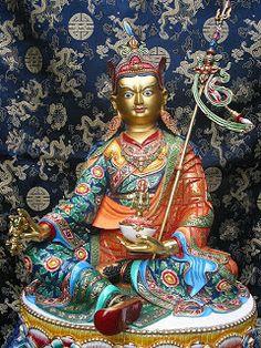 Guru Padma Sambhava : Simbolos budistas