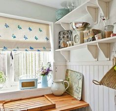I saw Kirstie Allsopp making these fantastic blinds on one of her craft programmes, and just fell in love with the idea! It looks relatively simple to do, but produces a gorgeous, personal finishing touch. I think that this might be a good way to add a further personal touch to our bathroom, and would allow a subtle injection of our accent colour.