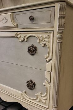 Maison Decor: Colors are French Linen/Old White Chalk Paint mix of 50/50 for the grey areas, and Old Ochre Chalk Paint for the rest of the piece.: