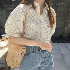 2019 Summer Women Chic Floral Print Holiday Blouse Female Puff Sleeve Loose Shirt Sweet Turn-Down Collar Casual Top Source by blouses style Cute Casual Outfits, Pretty Outfits, Casual Clothes, Korean Girl Fashion, Female Fashion, Loose Shirts, Loose Tops, Mode Vintage, Korean Outfits