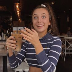 Im Really Out Here Copying Emma Chamberlain Ahhaha Nails Pinterest