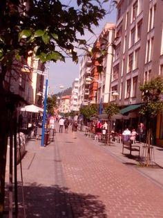 07/03/14 La calle Cervantes con un aire primaveral en este día soleado!