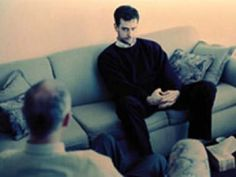 ¿Qué es la terapia cognitivo-conductual? ¿Cómo trabajan los psicólogos cognitivo-conductuales? La terapia cognitiva conducta es una forma de terapia psicológica en la que el psicólogo cognitivo-conductual y el paciente trabajan en equipo para identificar y resolver problemas.