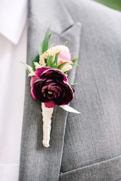 Groom boutonnière Marsala and cream Groom boutonniere Marsala and cream Deep Red Wedding, Burgundy Wedding, Floral Wedding, Fall Wedding, Wedding Colors, Dream Wedding, Pink Boutonniere, Boutonnieres, Blush Wedding Centerpieces