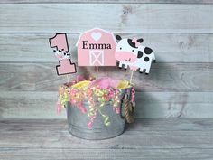 Cow Birthday Parties, Birthday Cupcakes, Happy Birthday Banners, Farm Animal Birthday, Farm Birthday, Happy Halloween Banner, Halloween Party Decor, Cow Cupcakes, Pink Cow