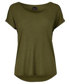 Aline t-shirt 99.00 NOK, Topper - Gina Tricot