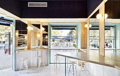 Bar Blitz refurbishment : flexoarquitectura