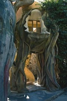 Built in 1990, Hang Nga Guesthouse and Gallery in Dalat, Vietnam is better known as The Crazy House and it's not hard to see why. The base of the guesthouse was built to resemble a giant tree, but more of a scary horror movie tree than a friendly fairyland tree. The whole structure is riddled with unexpected twists and turns, rooms where one least expects them, organically shaped windows, and animals. Stone animals, that is, like bears, giraffes, and spiders.