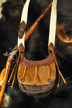 Skab Leatherworks: Another Game Keepers bag. Mountain Man Rendezvous, Shooting Bags, Black Powder Guns, Native American Moccasins, Man Gear, Fur Trade, Leather Workshop, Medicine Bag, Le Far West