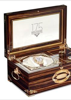 A marca suíça Patek Philippe lançou um relógio de pulso especial para comemorar o seu aniversário de 175 anos. O Grandmaster Chime, da Patek Philippe, custa US$ 2,6 milhões, ou algo em torno de R$ 6,41 milhões