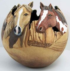 Carved gourds by Phyllis Sickles. A large variety and they're lovely. Decorative Gourds, Hand Painted Gourds, Sculpture Art, Sculptures, Gourds Birdhouse, Art Carved, Gourd Art, Horse Art, Indian Art