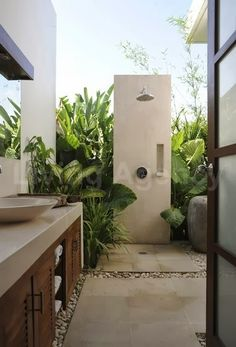 Here are the Ideas For Outdoor Bathroom Design. This article about Ideas For Outdoor Bathroom Design was posted under the … Outdoor Baths, Outdoor Bathrooms, Outdoor Rooms, Outdoor Gardens, Indoor Outdoor, Outdoor Living, Exterior Design, Interior And Exterior, Interior Modern