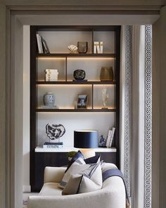 Sophie Paterson Interiors is a London and Surrey based design studio specialising in luxury residential interiors internationally. Living Room Interior, Home Living Room, Living Room Designs, Living Spaces, Autocad 3d, Living Room Decor Inspiration, Home Modern, Interior Architecture, Interior Design
