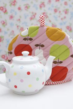 Quilted teapot cozy