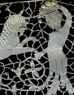 Lacis Museum of Lace & Textiles, Berkeley, California.  Online slide shows of lace pieces = amazing & scrumptous!