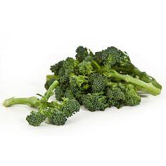 El brócoli está repleto de antioxidantes que ayudan a reducir el riesgo de cáncer de estómago, pulmón y rectal. Además es rico en beta-caroteno, vitamina C y ácido fólico, por lo que ayuda a fortalecer las defensas frente a resfriados y gripes.