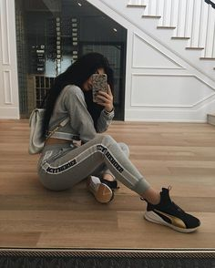 WEBSTA @ kyliejenner - those new gold Pumas tho ✨ #ForeverFierce @PUMATraining
