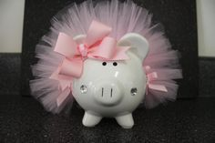 To use the Piggy bank for :) I'll get some tool cut into a little tutu to tie around it :) Baby Baby Baby Oh, Baby Tutu, Baby Kids, Pig Baby Shower, Baby Shower Gifts, Girl Shower, Diy For Kids, Crafts For Kids, Personalized Piggy Bank