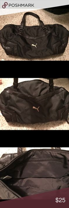 Puma gym bag Perfect small bag. Great for he gym. Barely used. Great shape. Puma Bags