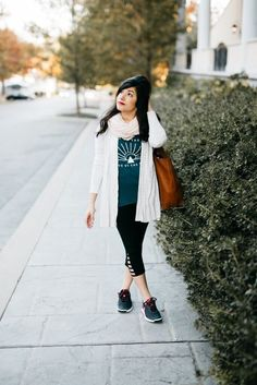 Outfit of the Week// Athleisure for Less http://partyofsarah.com/athleisure-for-less/?utm_campaign=coschedule&utm_source=pinterest&utm_medium=%7C%20Party%20of%20Sarah%20%7C&utm_content=Outfit%20of%20the%20Week%2F%2F%20Athleisure%20for%20Less Photo via http://kaileywatson.com/?utm_campaign=coschedule&utm_source=pinterest&utm_medium=%7C%20Party%20of%20Sarah%20%7C&utm_content=Outfit%20of%20the%20Week%2F%2F%20Athleisure%20for%20Less