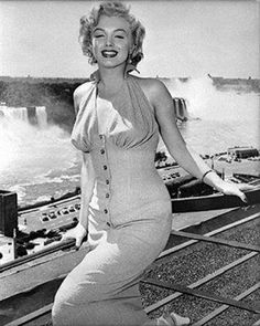 Marilyn at Niagara Falls