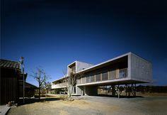 Gallery of Pilotis House / Furuichi and Associates - 1