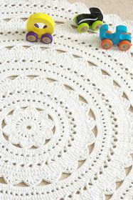 ...Handy Crafter...: Neutral Nursery with White Doily Rug