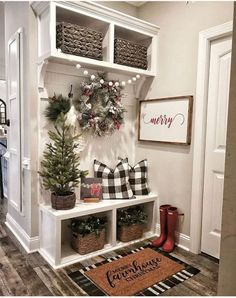 If you are looking for Simple Living Room Christmas Decor Ideas, You come to the right place. Here are the Simple Living Room Christmas Decor Id. Christmas Entryway, Farmhouse Christmas Decor, Rustic Christmas, Christmas Home, Farmhouse Decor, Farmhouse Small, Christmas Ideas, Modern Farmhouse, Modern Christmas