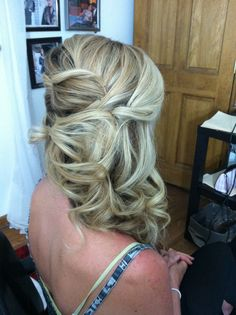romantic side design for medium to long hair