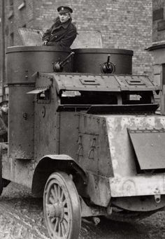 An Irish Free State soldier in an armoured car during the Irish Civil War. Army Vehicles, Armored Vehicles, Irish Free State, Irish Republican Army, Ww1 Tanks, Tank Armor, War Dogs, Military Photos, World War One