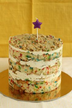 Hummingbird High: Funfetti Birthday Layer Cake from Momofuku Milk Bar/  Michelle's site gives GREAT complete tutorial on making the famous recipes from Momofuku!!! WITH PICS of every step!!