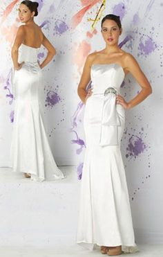 This would make a beautiful destination wedding dress or second wedding dress!  And the price in unbelievable!!  $170 !!!