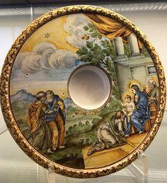 Piattino porta chicchera in maiolica, XVIII secolo.