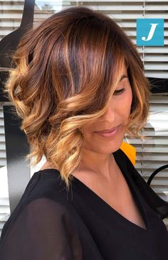 Degradé Joelle & Taglio Punte Aria - All For Colors Hair Ombre Hair Color For Brunettes, Hair Color Balayage, Dye My Hair, New Hair, Pelo Color Plata, Medium Hair Styles, Short Hair Styles, Leave In, Corte Y Color