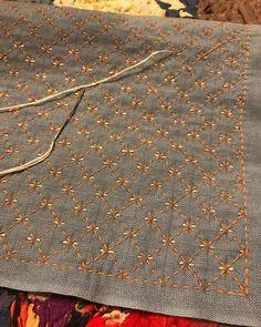 japanese embroidery needles #Japaneseembroidery Hand Embroidery Dress, Hand Embroidery Videos, Japanese Embroidery, Hand Embroidery Stitches, Crewel Embroidery, Hand Embroidery Designs, Embroidery Techniques, Embroidery Kits, Sewing Techniques