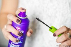 Instead of using gel for your eyebrows, use ordinary hairspray. Spray some onto a special eyebrow comb, or use an old mascara brush. Smooth out your eyebrows right after using the spray. Beauty Hacks Nails, Beauty Tips For Hair, Beauty Secrets, Beauty Tricks, Beauty Ideas, Mascara Tips, Tips & Tricks, Baby Oil, Beauty Hacks