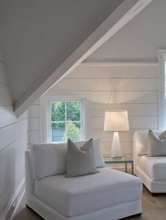 Walls behind bathroom mirror Attic Bedroom Designs, Attic Rooms, Attic Spaces, Farmhouse Family Rooms, Contemporary Family Rooms, Attic Remodel, Cottage Interiors, Interior Exterior, Home Decor Inspiration