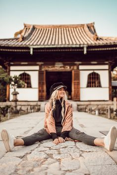 Winter / Fall Fashion Barefoot Blonde- Amber Fillerup in Japan Tokyo Japan Travel, Japan Travel Guide, Japan Trip, Japan Japan, Travel Pictures, Travel Photos, Travel Outfit Spring, Japan Summer Outfit, Spring Outfits