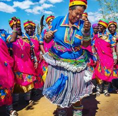 Here are some obvious reasons why you should 'never-ever' travel to South Africa Tsonga Traditional Dresses, Traditional Outfits, African Vacation, People Dancing, My Black Is Beautiful, African Culture, Tourism, Bathroom Cupboards, African Outfits
